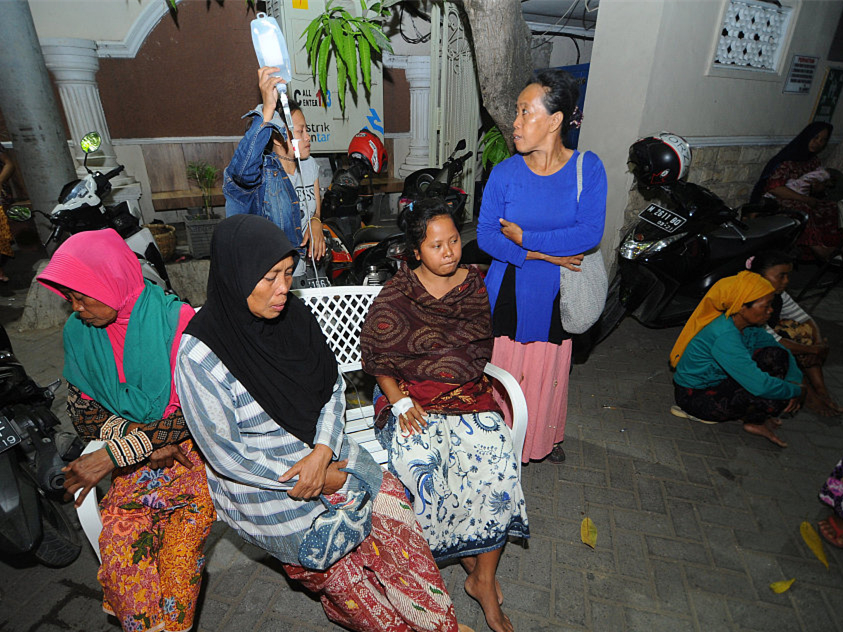 Three dead, IMF summit shaken as strong quake hits Indonesia