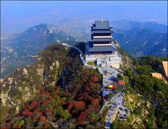 Across China: 40 years of tourism in the eyes of a tour guide