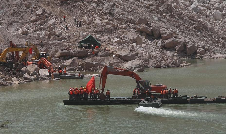 PLA helps disaster relief in landslide-affected area