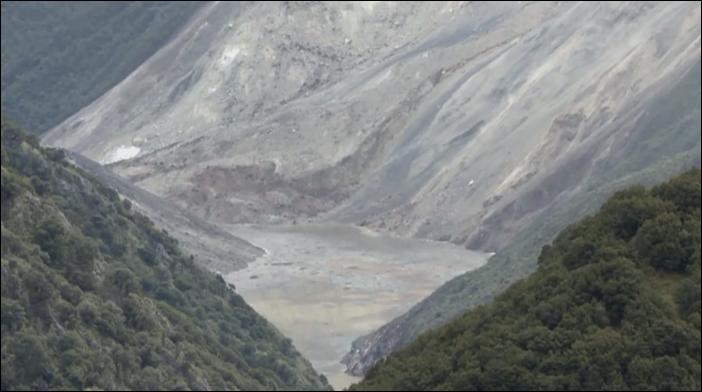 Landslide in Tibet's Jomda County creates barrier lake