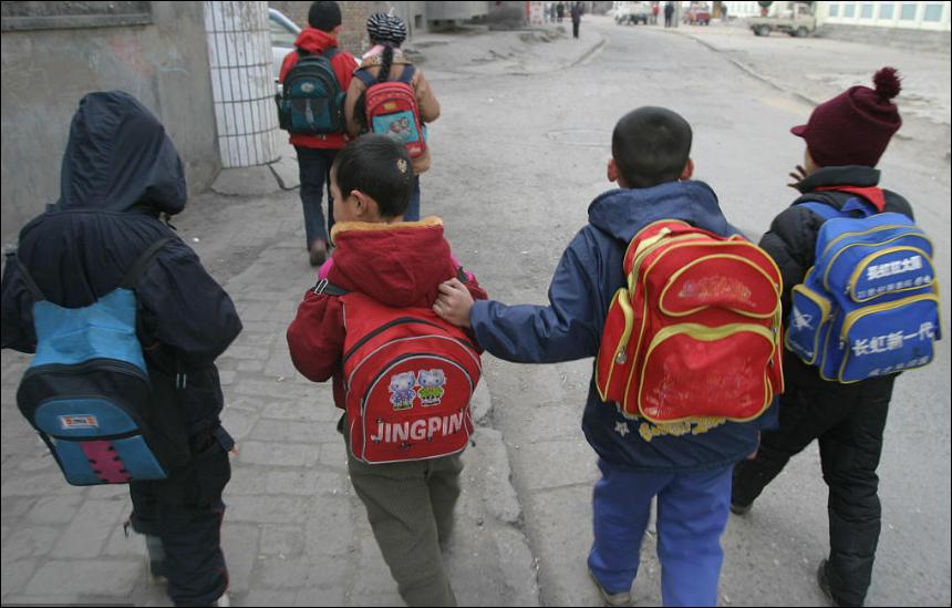 China donates 500 bags, stationery to Lebanon's orphans