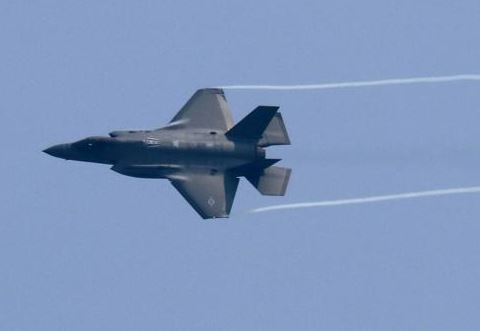 NATO requires Norway purchase two aerial refueling aircraft for F-35 jets