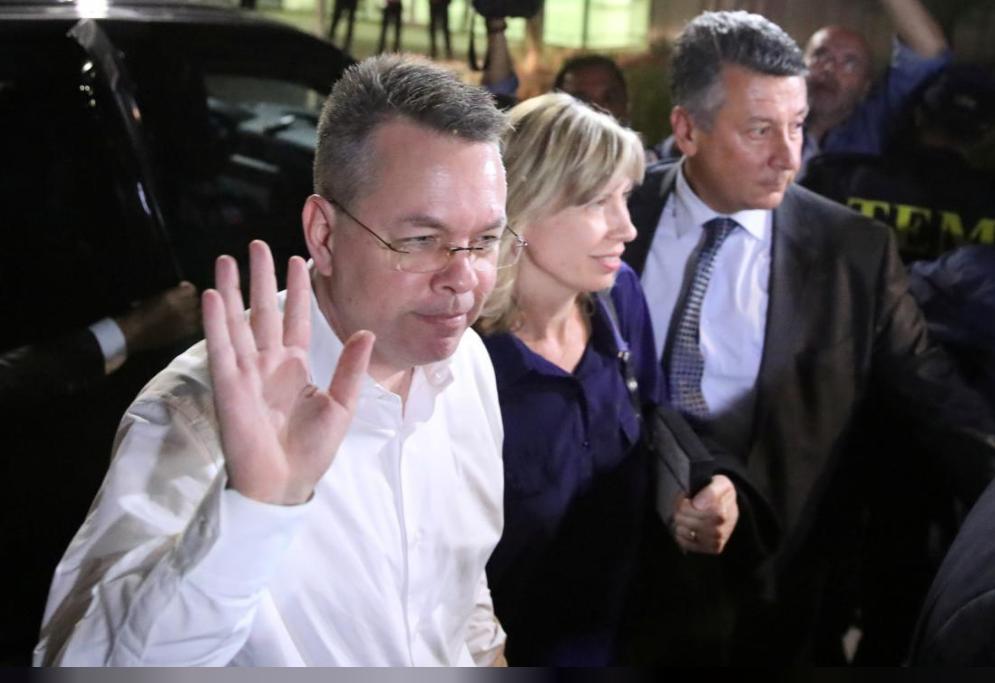 US pastor Brunson leaves Turkey after court frees him