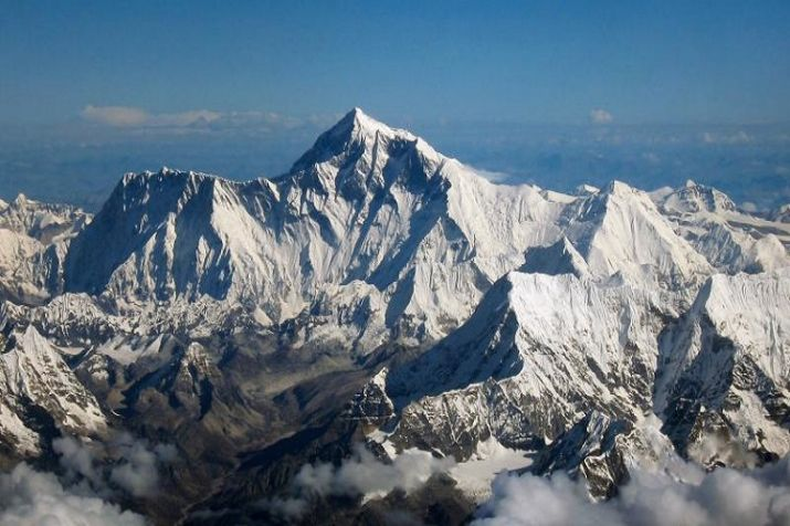 5 S. Korean climbers and 4 Nepalese guides missing in storm