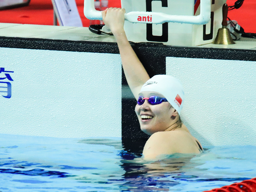 Chinese swimmer Fu Yuanhui sweeps to 50m backstroke victory