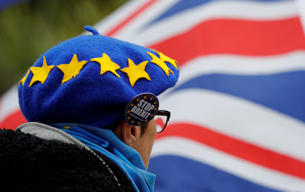 Brexit talks in crisis over Irish border ahead of crunch summit