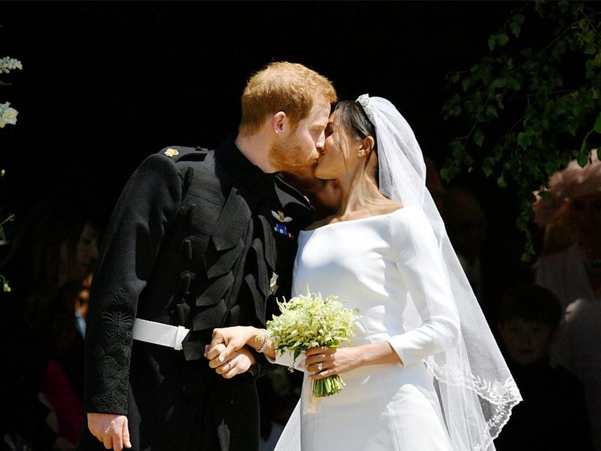 Kensington palace announces Meghan Markle pregnant