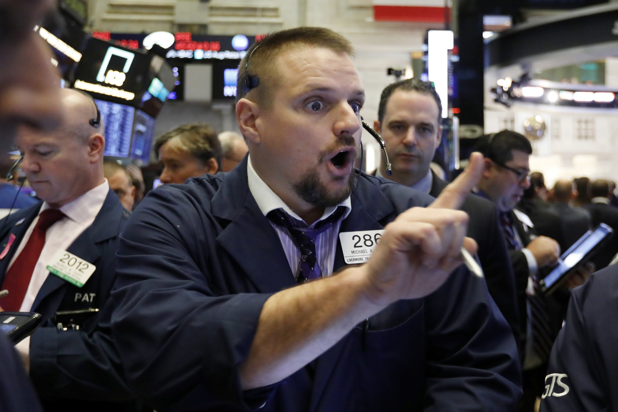 Tech companies drag US stocks lower again in wobbly trading