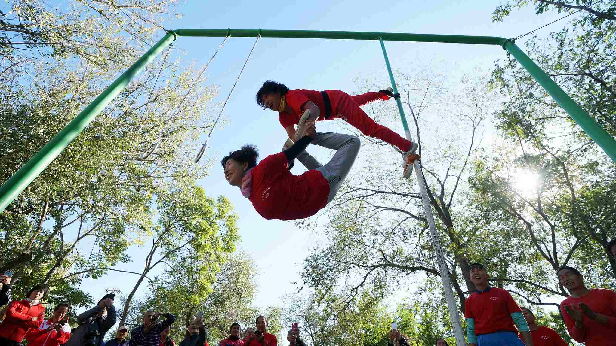 Chinese seniors show off gymnastic stunts at 'Elderly Olympics Games'