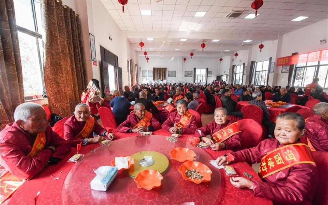 Various activities held to celebrate Chongyang Festival in Hangzhou