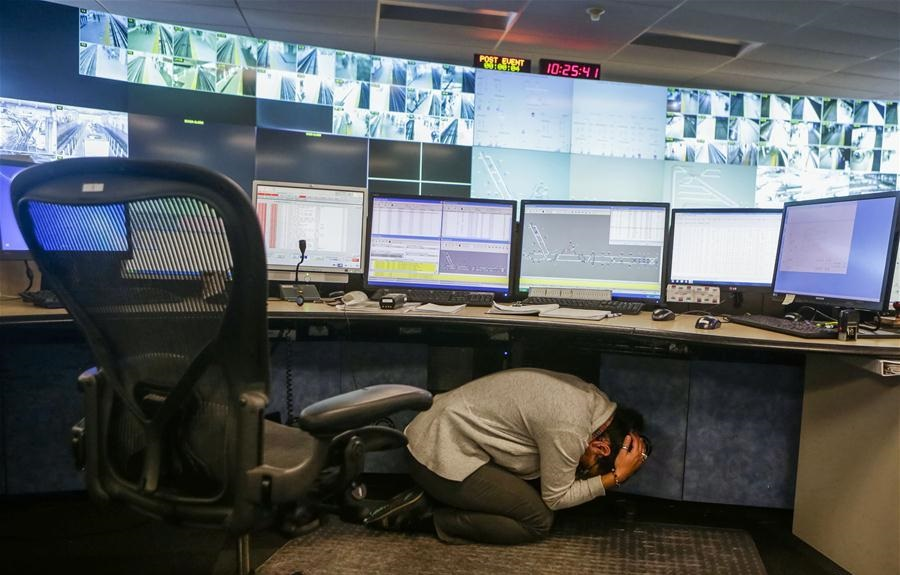 """""""Great Shakeout"""" earthquake exercise held in Vancouver, Canada"""