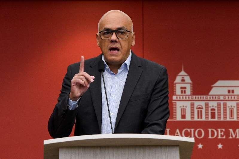 Venezuela expels Ecuador's charge d'affaires in retaliation