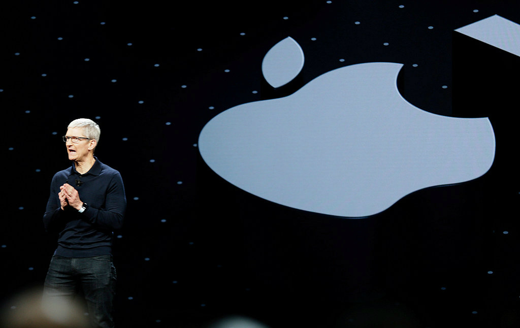 Apple CEO urges Bloomberg to retract its story of alleged China spying chips
