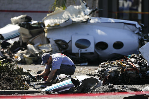 Small plane crashes on freeway in US state of California