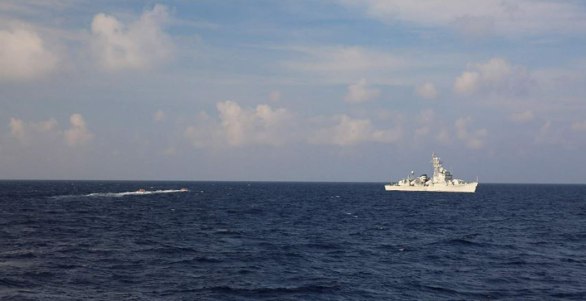 What are China and US doing at South China Sea?