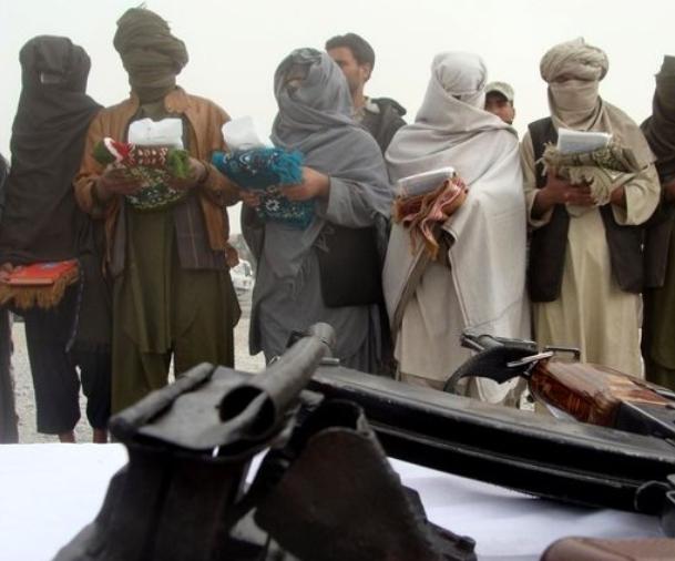 Officials: Pakistan frees senior Taliban commander
