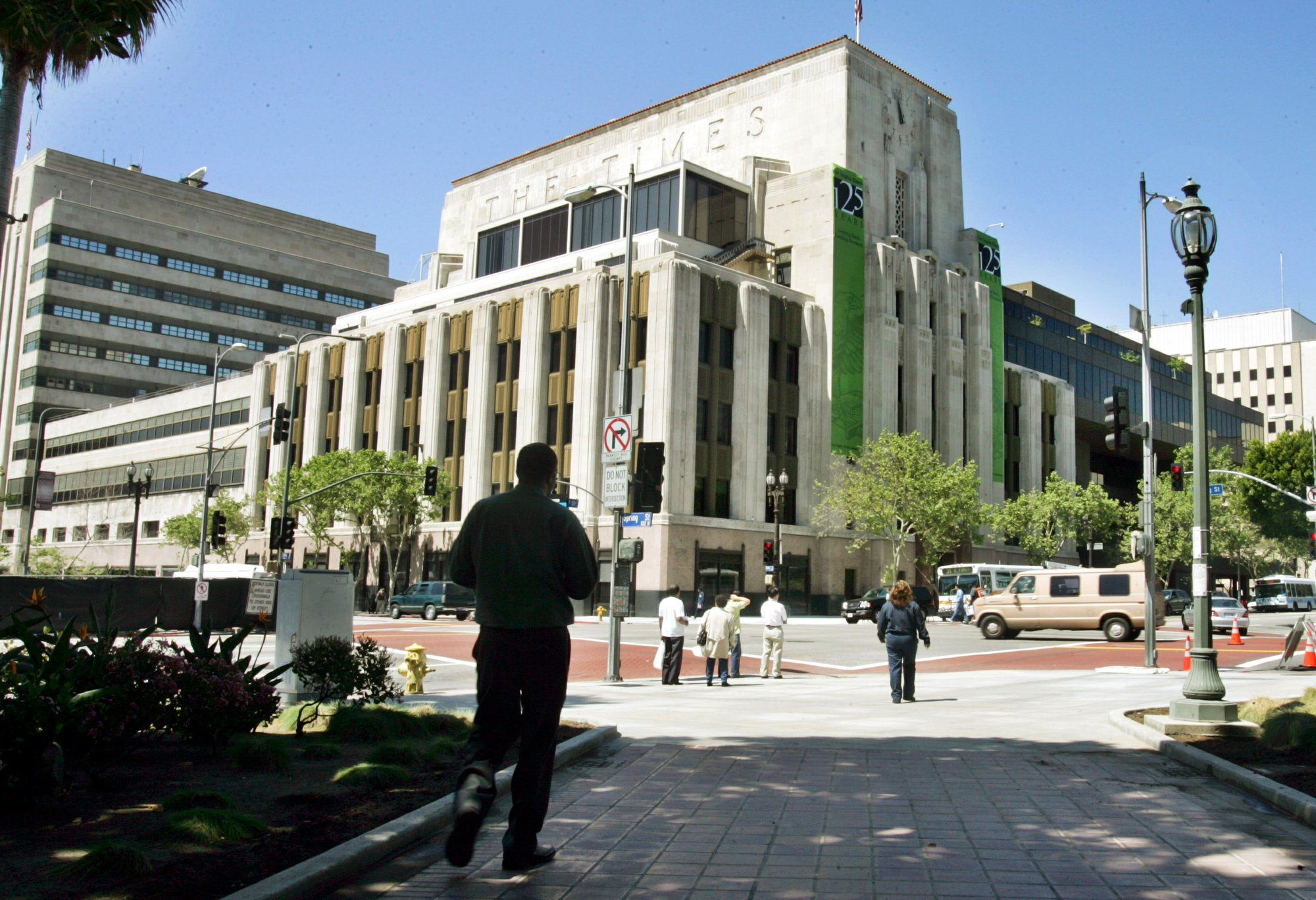LA Times building briefly evacuated for suspicious packages