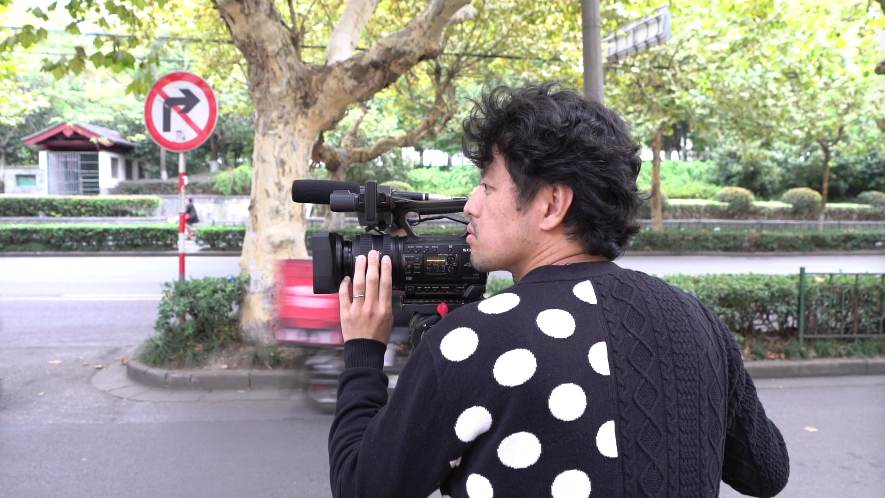 Japanese director records people-to-people exchanges