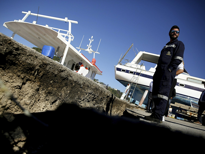 Schools closed on quake-hit Greek island; damage surveyed