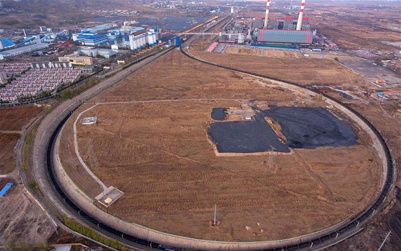 Datong-Qinhuangdao railway in Shanxi, artery of China's coal transportation