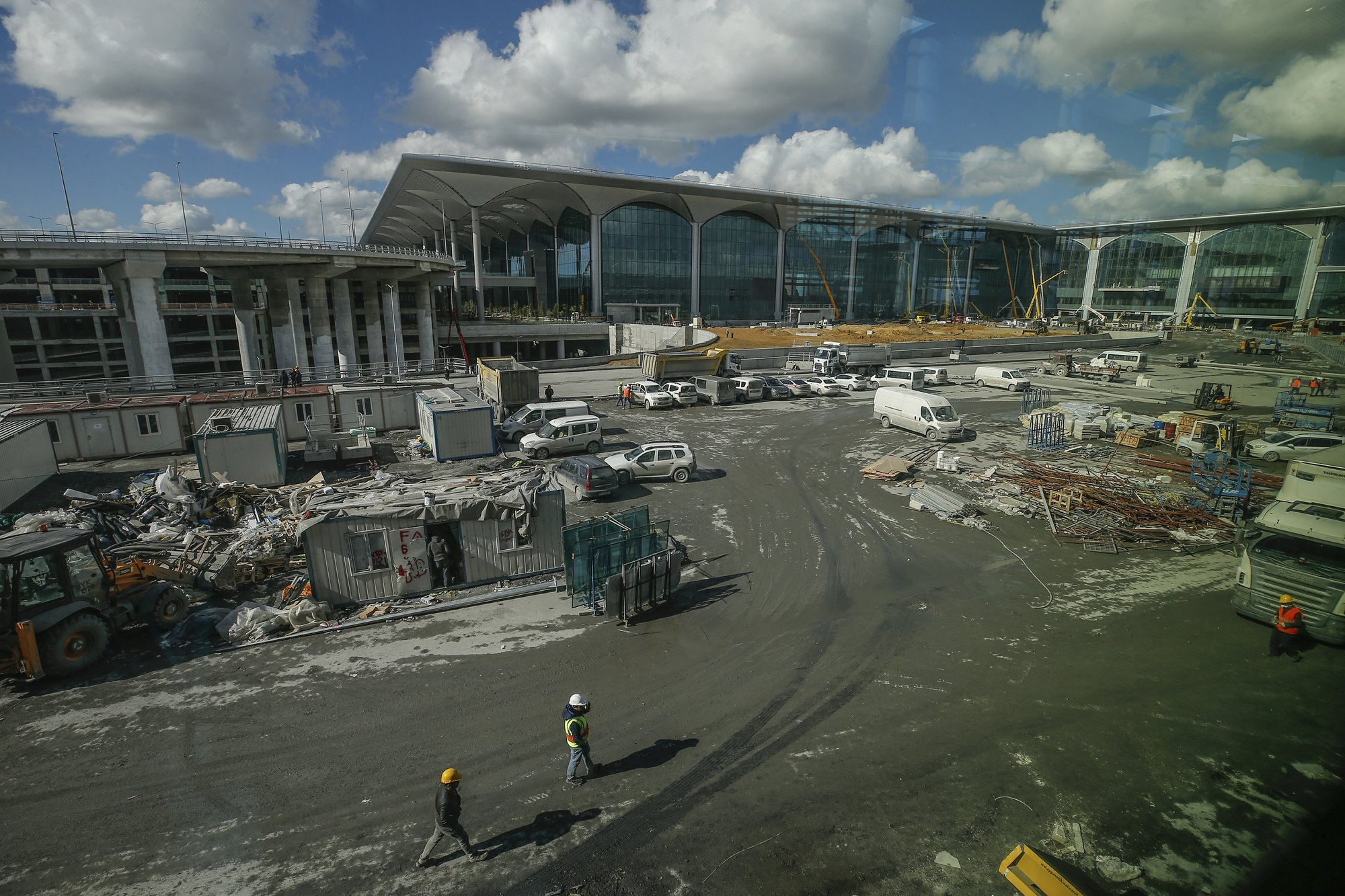 Istanbul to unveil new airport, seeks to be world's biggest
