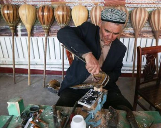 Xinjiang to assign lawyers to poor villages