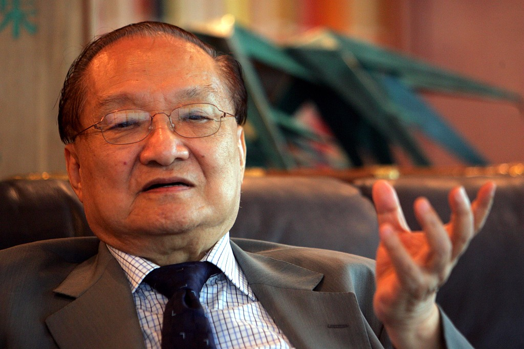 Chinese wuxia novelist Jin Yong dies at the age of 94