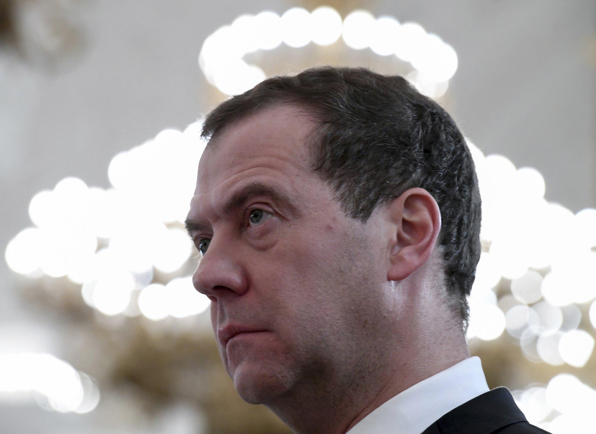 Russia slaps large-scale sanctions on Ukraine