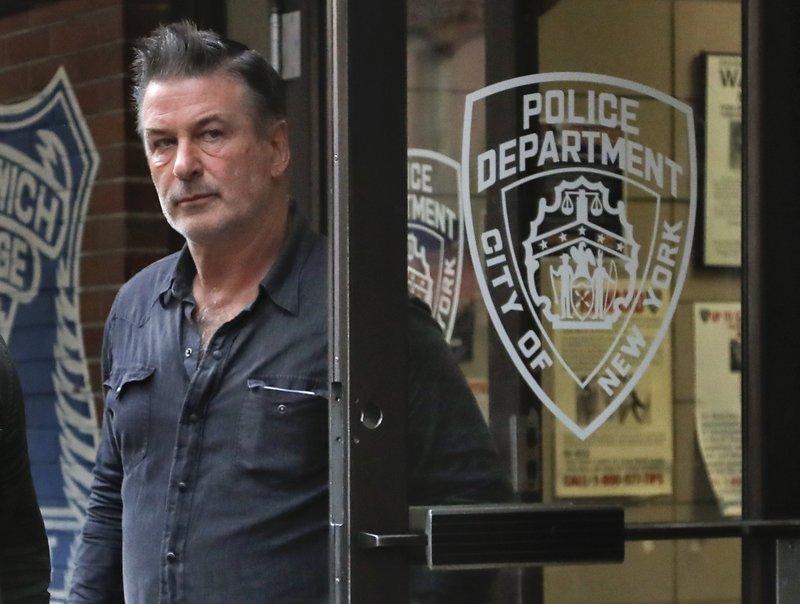 Alec Baldwin says he didn't punch man in parking dispute