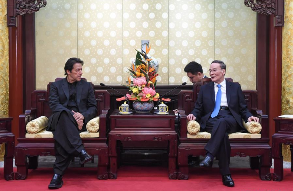 Chinese vice president meets visiting Pakistani prime minister