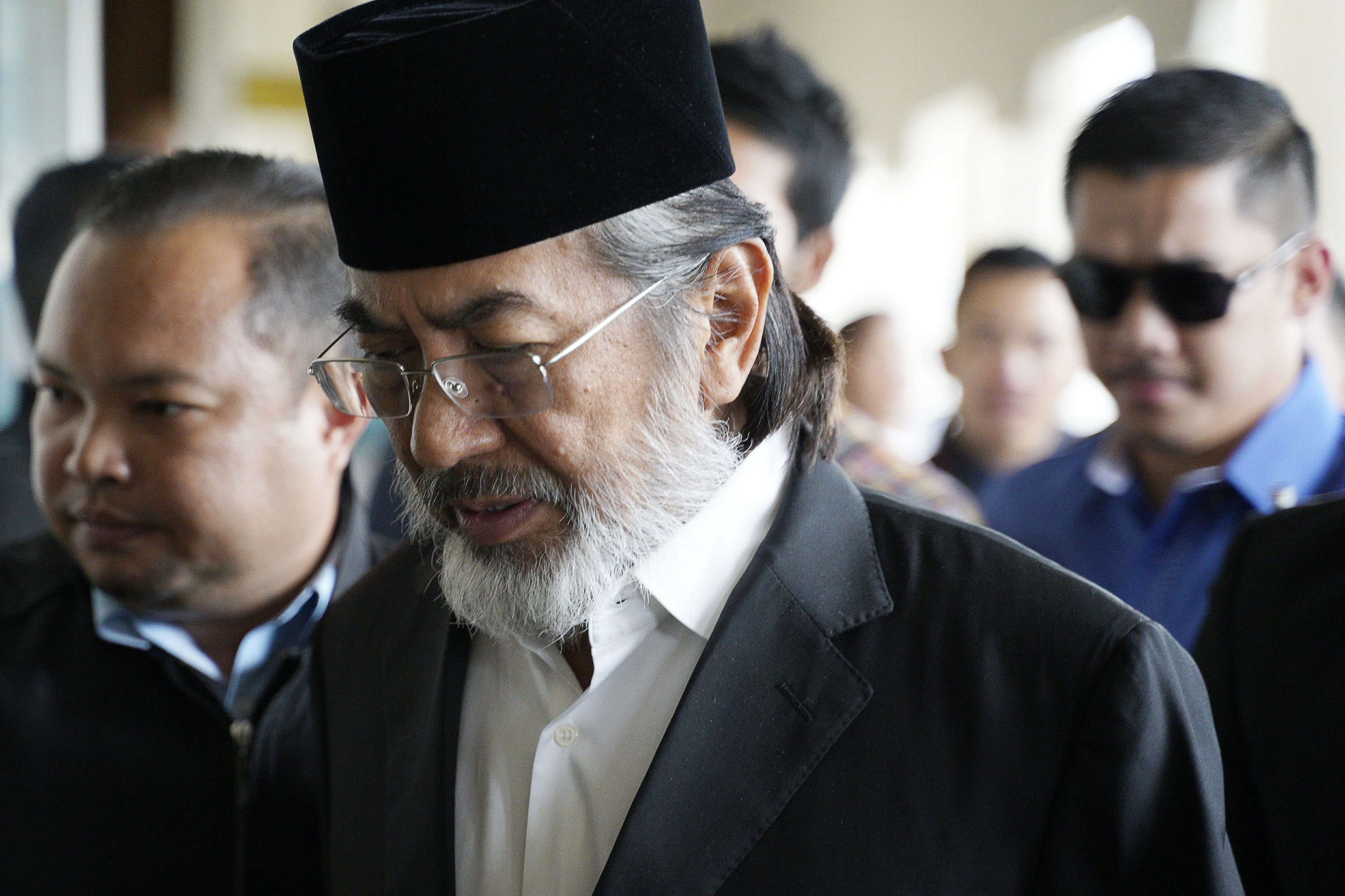 Former Malaysian state chief detained, faces graft charges