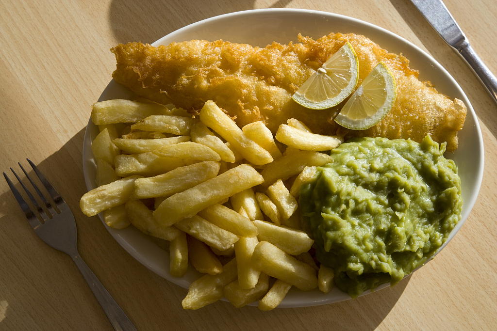 Eating fish reduces symptoms of childhood asthma: study