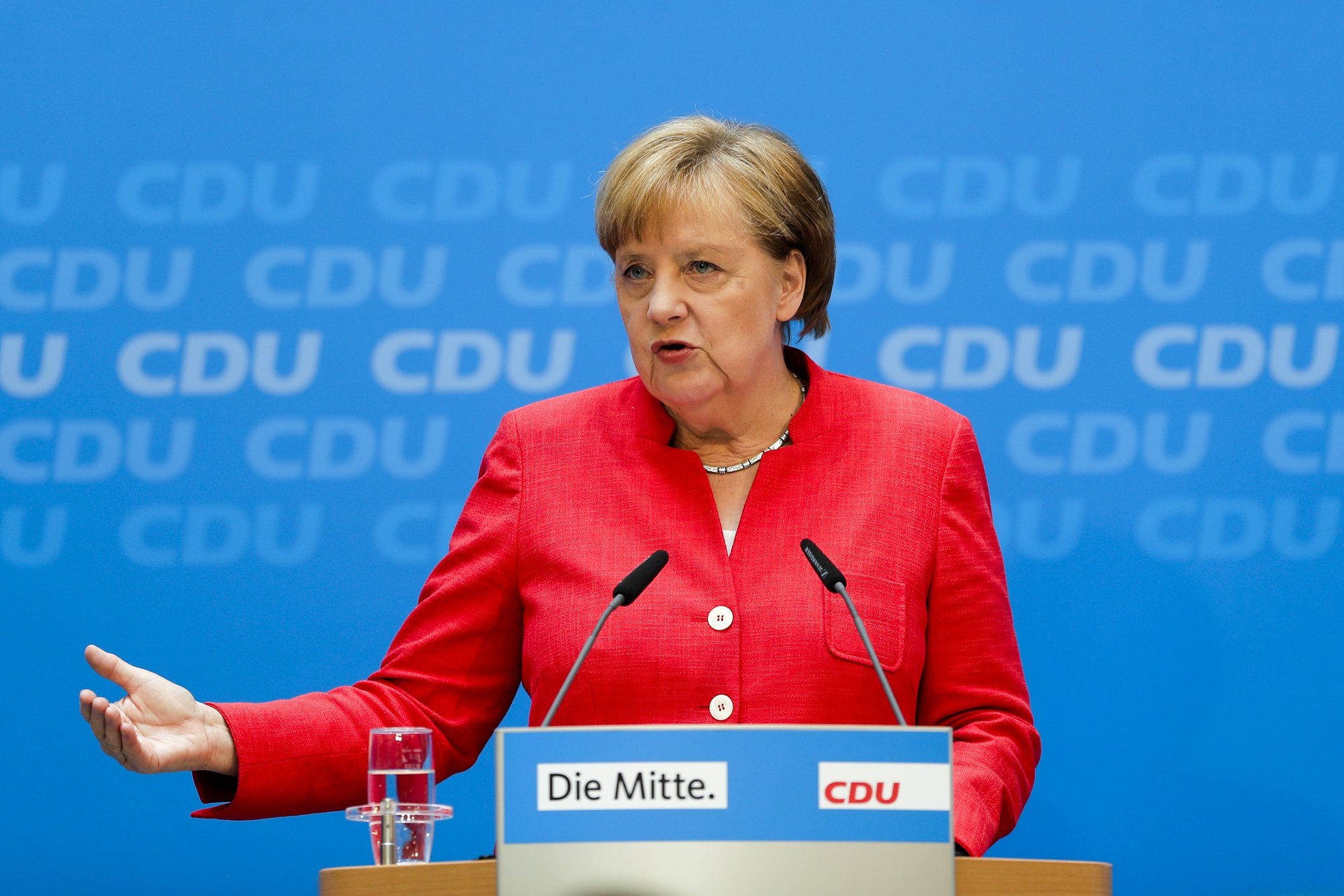 Large majority of Germans want CDU to hold course adopted by Merkel