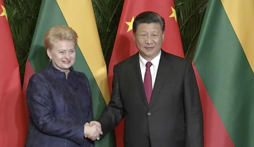 Xi meets Lithuanian president