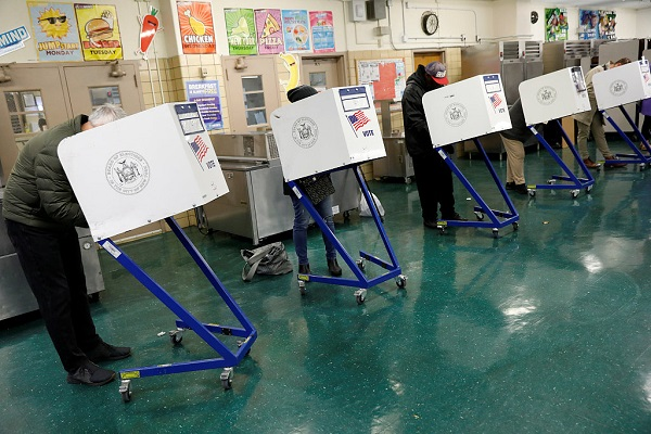 Video: Polls open in 2018 US midterm elections