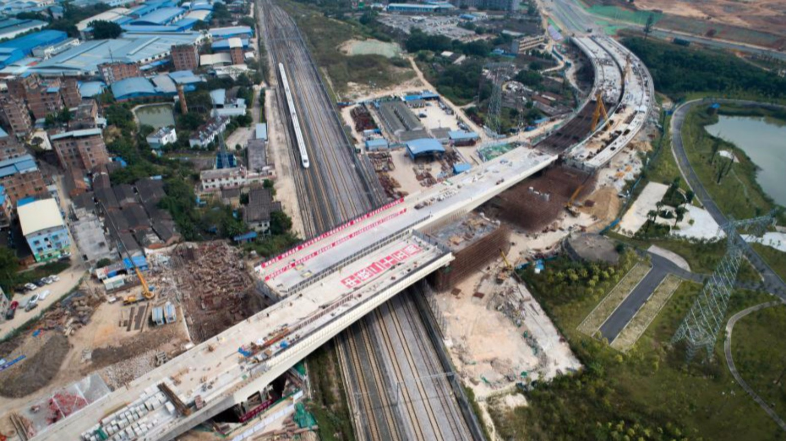 Overpass with largest rotation angle in China gets connected