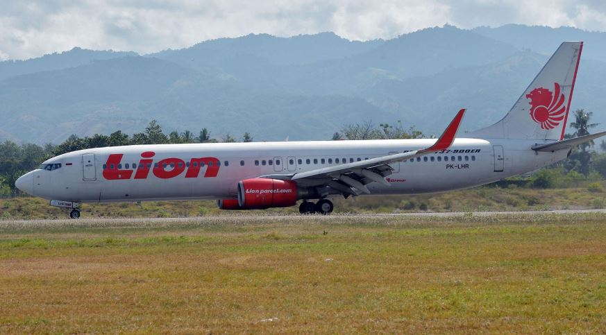 Lion Air jet in another accident, a week after deadly crash