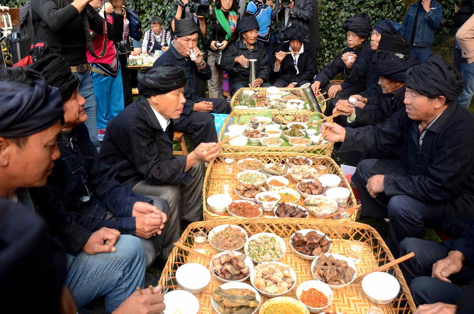 Hani people celebrate their New Year with special banquet