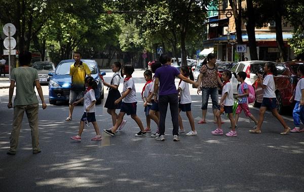 Guangdong defines giving derogatory nicknames, cyber violence as school bullying