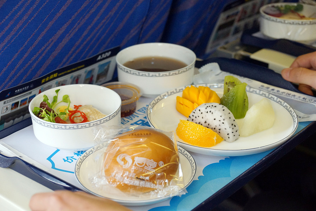 Airlines bring an end to free in-flight meals