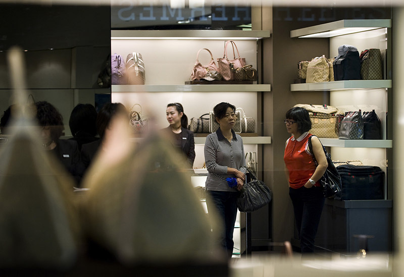 Study: Chinese to account for half of luxury sales by 2025