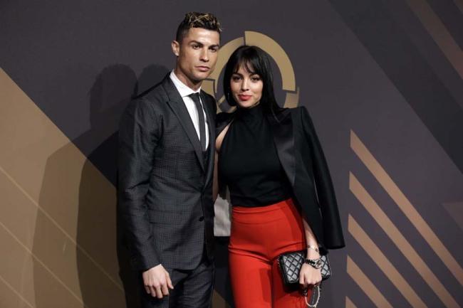 Cristiano Ronaldo engaged to long-time girlfriend