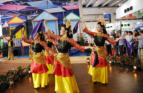 Cultural exchange activities held in Brunei to boost China-Brunei cooperation
