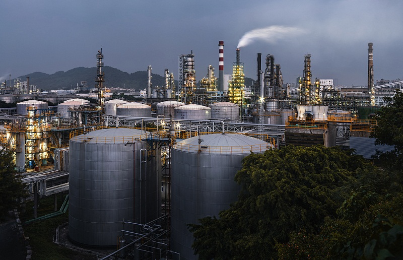 Profit of China's petroleum, chemical industry up 45.2 pct in first 3 quarters