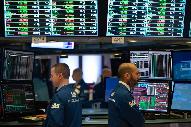 US stocks open sharply down, Dow goes negative for year