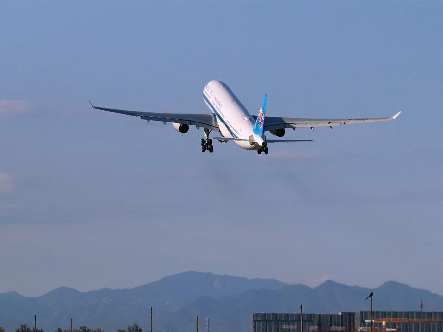 All major airports in Beijing-Tianjin-Hebei region reach 10 million throughput level