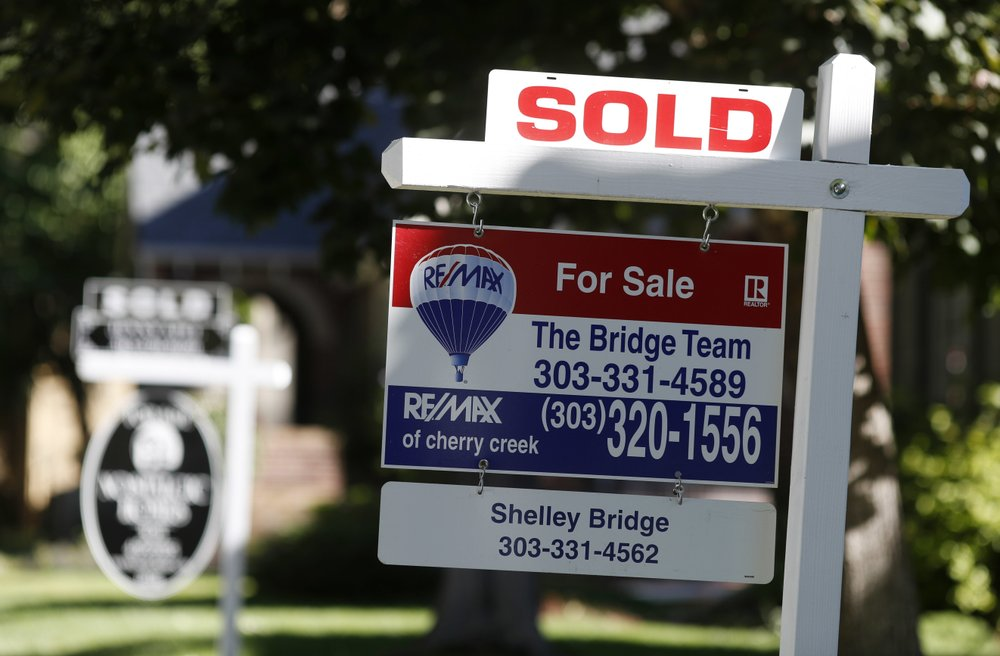 US home sales rise 1.4 percent, snap 6-month losing streak