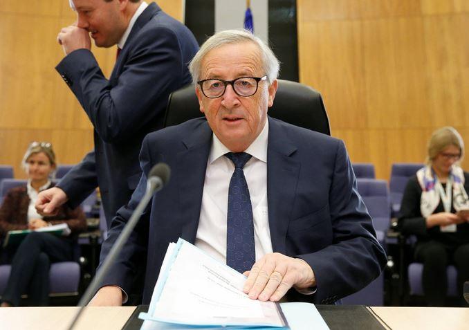 EU moves to discipline Italy over budget, Rome remains defiant