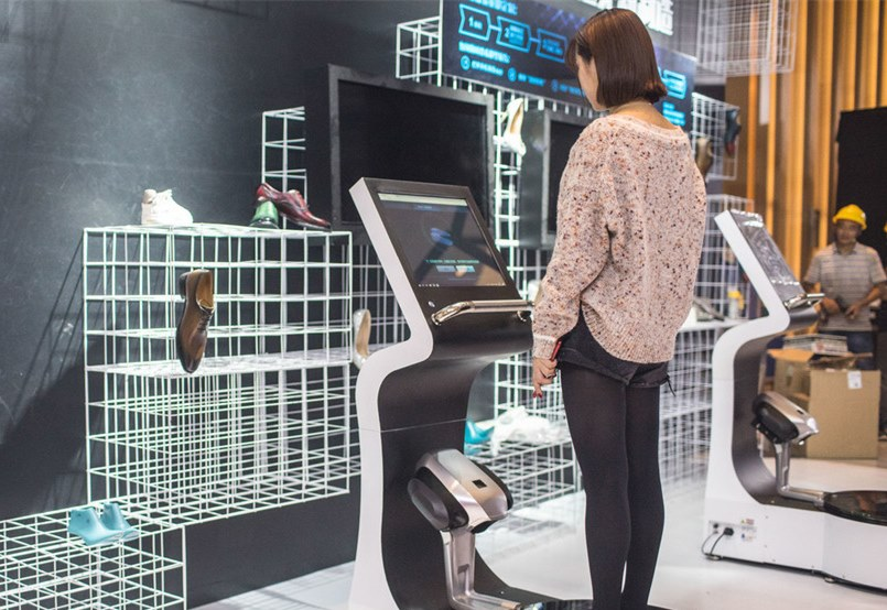3D foot scanner to collect data for shoppers