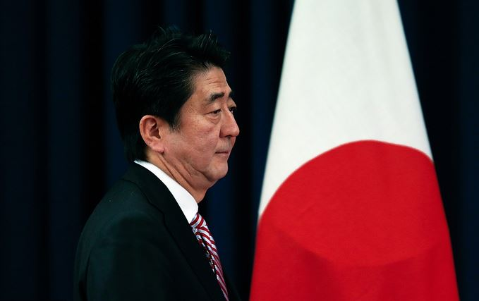 China and Japan should cooperate to boost free-trade system: Abe